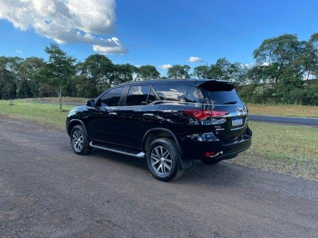 Toyota Hilux SW4 SRX 2.8 4x4 - 2017 - Foto 7