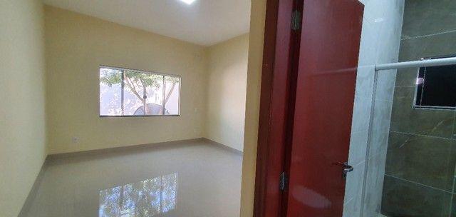 Belíssima Casa de 3 dormitórios sendo uma Suíte única no lote localização privilegiada    - Foto 6