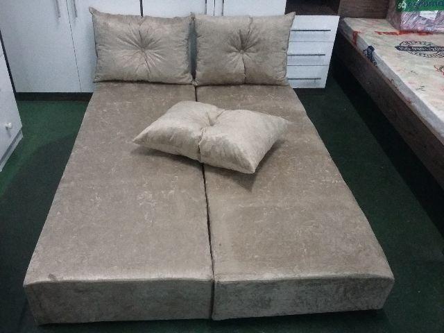 Lindo sofa cama com almofadas no tecido luxo novo - Objetos de ... c6ed1d21d2