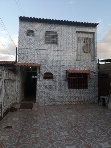 QNL Sobrado 4 kits mais casa de fundo renda de R$2.400 só 230mil aceita carro - Foto 7