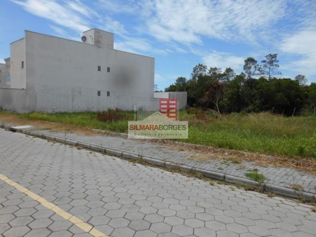 2 terrenos juntos no bairro Meia Praia. - Foto 2