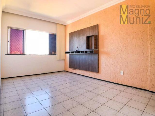 Edifício Acropole I - Apartamento com 3 quartos, 2 banheiros à venda, 64 m² por R$ 160.000