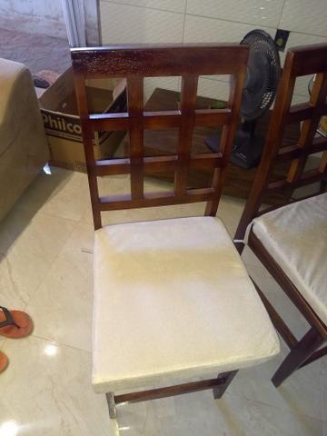 4 cadeiras de madeira - Foto 2