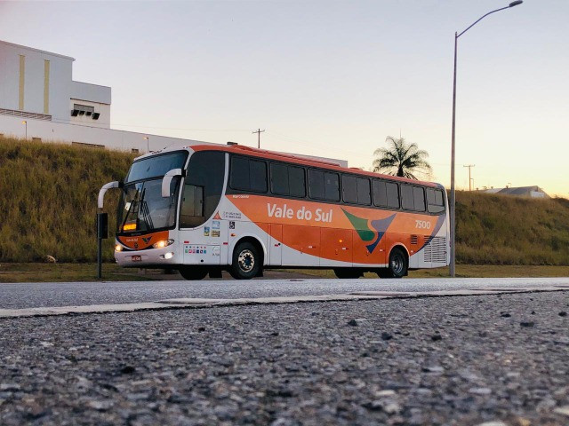 Ônibus rodoviário executivo, 46 lugares. Motor Mercedes O-500 RS - 360 cv - Foto 4