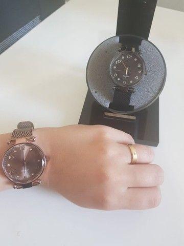 Compre 1 Leve 2 Relógios Skin Feminino. De 150 por 75 - Foto 2