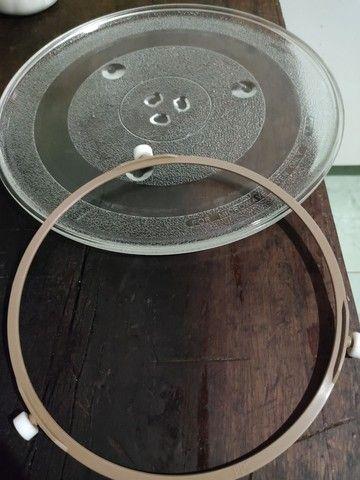 Prato para microondas com apoiador