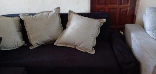 Sofá de canto com almofadas. - Foto 3