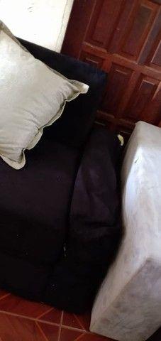 Sofá de canto com almofadas. - Foto 2