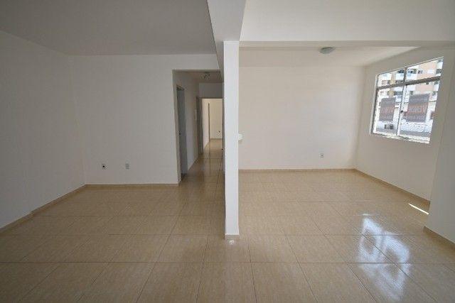 Apartamento amplo e bem localizado no Balneário. - Foto 3