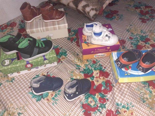 Sapatos infantil semi novos