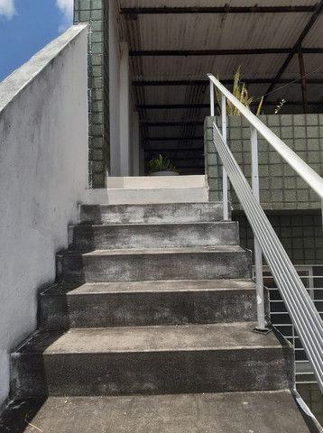 Belíssima Casa Espaçosa Com Cobertura 3 Vagas - Foto 2