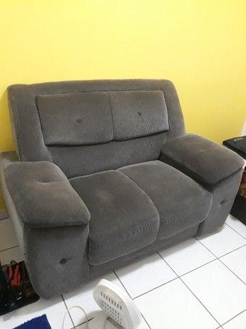 Sofá cinza usado em boas condições - 2 lugares - Foto 2