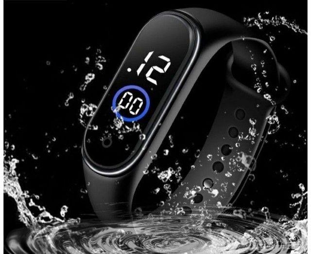 Relógio M4 digital led Esportivo A prova água Pulseira colorida feminino masculino Unissex