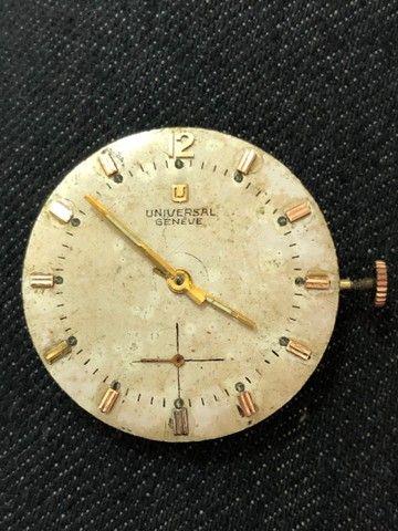 Máquina relógio Universal Geneve
