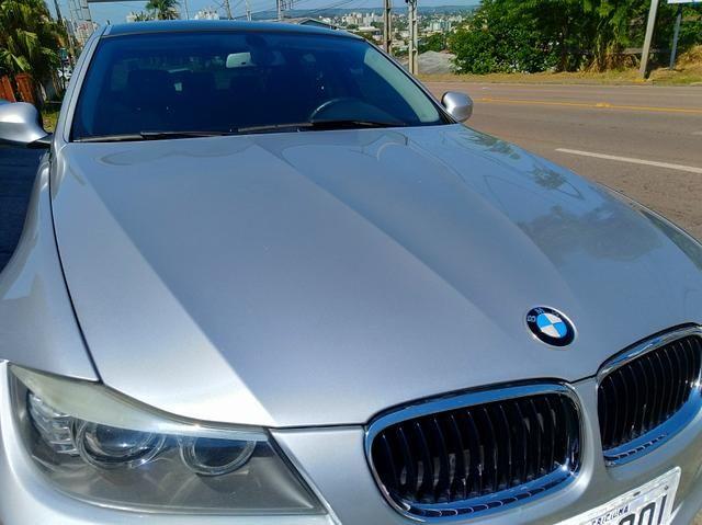 BMW 320 iA 2010 bem bonita e conservada lacrada. Leia o anúncio!