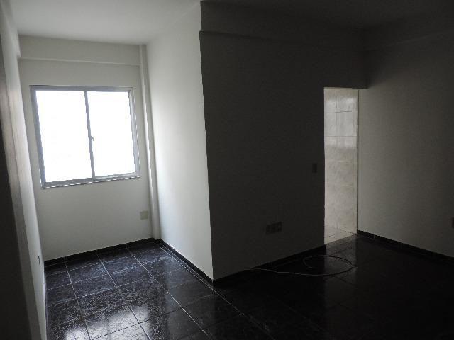 Apartamento, Aluguel, Amplo Apartamento, Promoção 780,00 Mensal