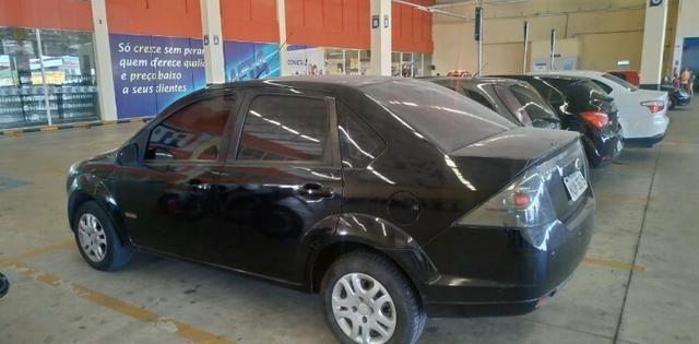 Fiesta class sedan 1.6 estado de zero! - Foto 3