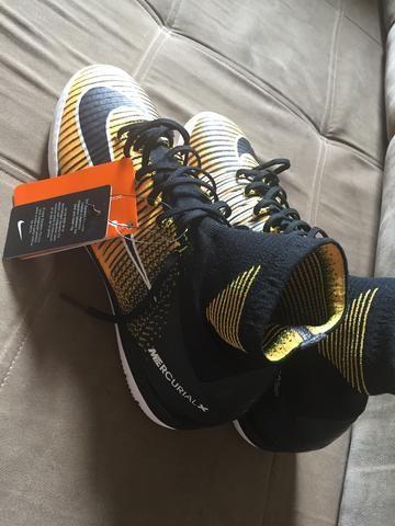 Chuteira Nike 42 futsal - Foto 4