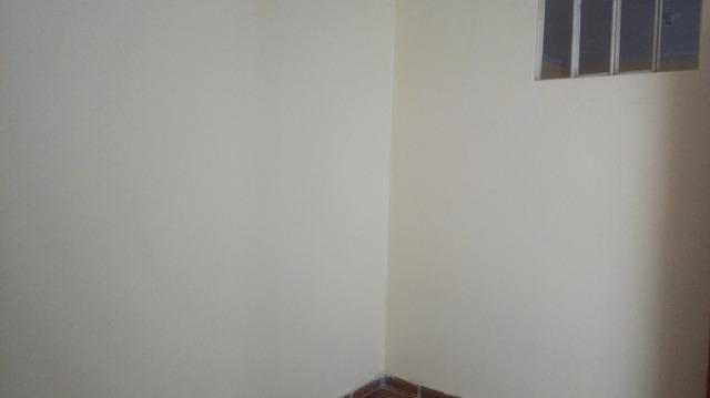 Casa Vila Canaria 1º andar Rua Principal Ótima Localização R$ 700,00 Ligue: 3215-4603 - Foto 5