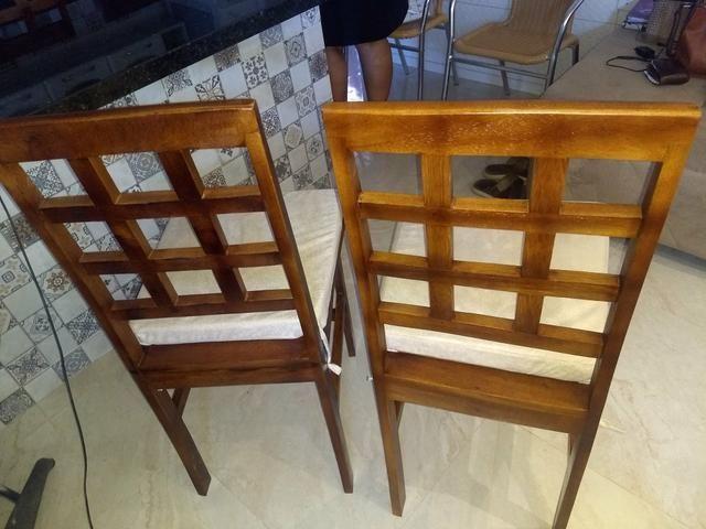 4 cadeiras de madeira - Foto 3