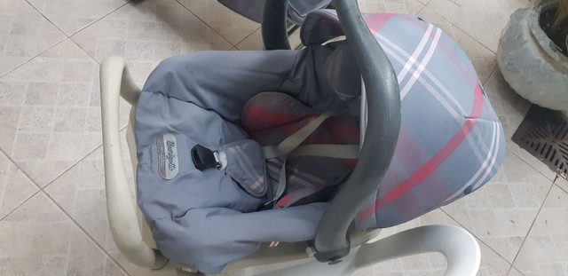 Bebê conforto com base p carro  marca birigotto. - Foto 3