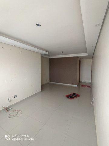 Ágio de apartamento de 75m² com 3qts, 1 suite e fino acabamento-todo no porcelanato ! - Foto 4
