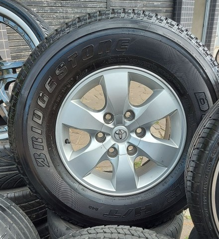 Jg Roda Hilux Aro 16 6x139 + Pneu 265/70 R16 Bridgestone,  semi novo