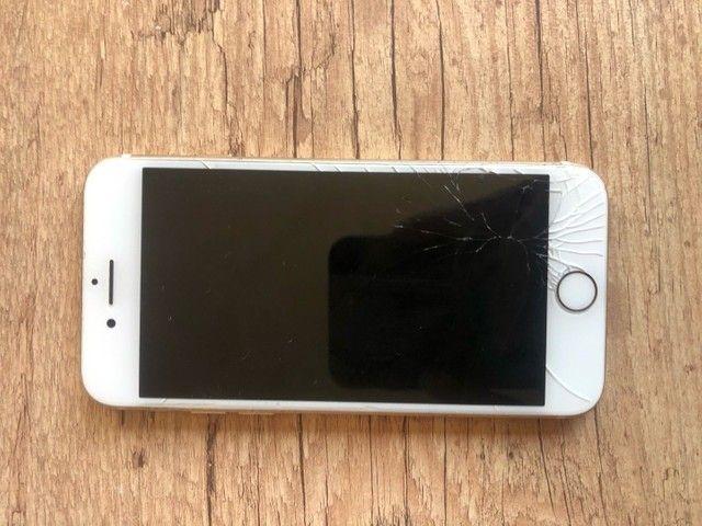 Iphone 7 32 gb com a tela trincada - Foto 2