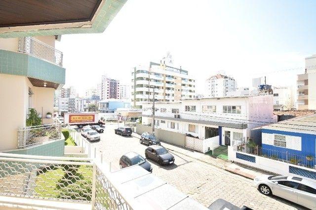 Apartamento amplo e bem localizado no Balneário. - Foto 9