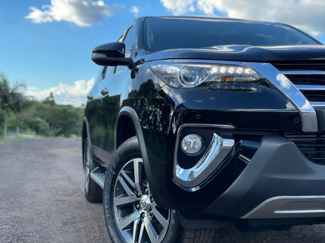 Toyota Hilux SW4 SRX 2.8 4x4 - 2017 - Foto 8