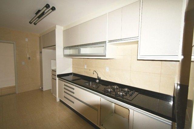 Apartamento amplo e bem localizado no Balneário. - Foto 4