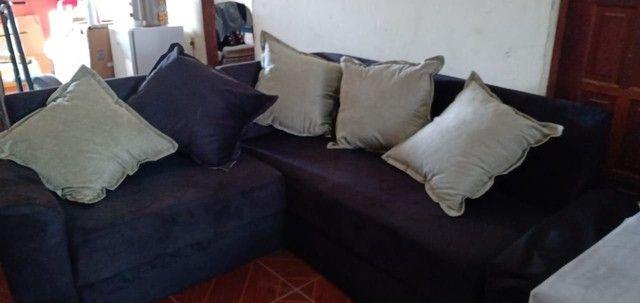 Sofá de canto com almofadas. - Foto 6