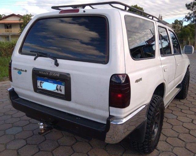 Toyota hilux sw4 3.0 turbo diesel  (4x4 jeep rural whillys Troller Ranger F-75 Niva) - Foto 8