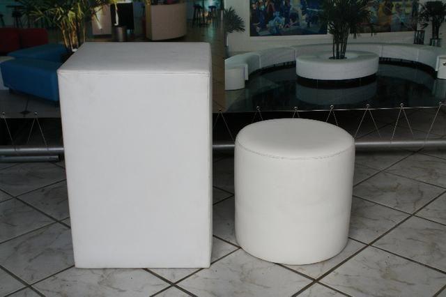 Aparador alto 50x50x75 usado em korino na cor branca