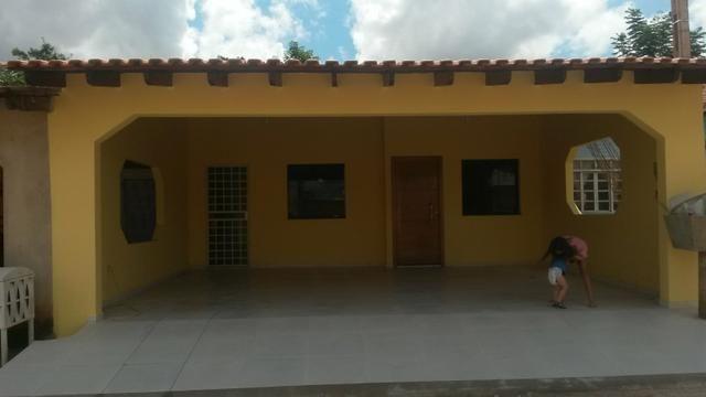 Aluga - se casa em condomínio fechado R$900,00