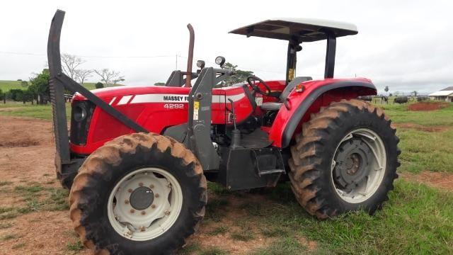 Trator Massey ferguson Modelo 4292 112 cv