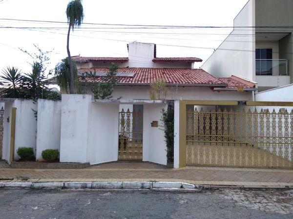Comercial casa com 8 quartos - Bairro Setor Sul em Goiânia
