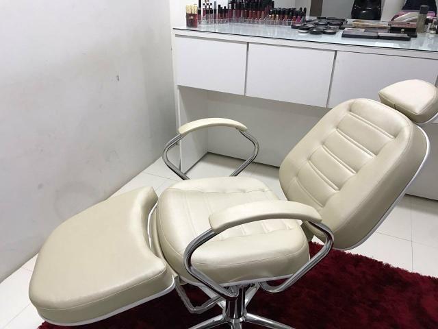 Cadeira para micropigmentação e maquiagem reclinável hidráulica