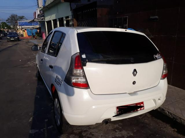 Vendo um Renault Sandero táxi - Foto 2