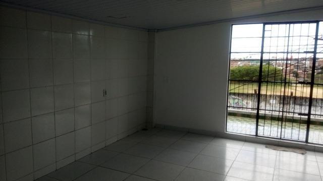 Casa Vila Canaria 1º andar Rua Principal Ótima Localização R$ 700,00 Ligue: 3215-4603 - Foto 4