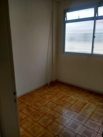 Apartamento Itapuã 3 quartos com dependência R$1.200,00 - Foto 12