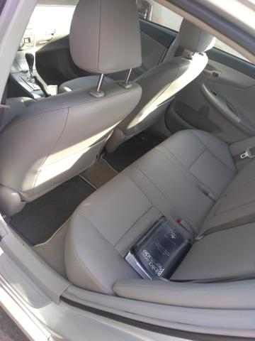 Corolla Gli 1.8 Prata Automático flex prata 2012 - Foto 6