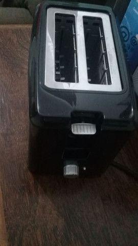 Torradeira Toast Due Black Mondial Seminova 110V - Foto 2