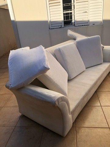 Vendo sofa espaçoso . - Foto 2
