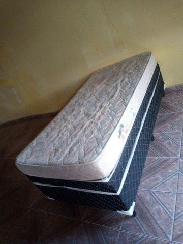 Box solteiro com colchão (*entrego*)