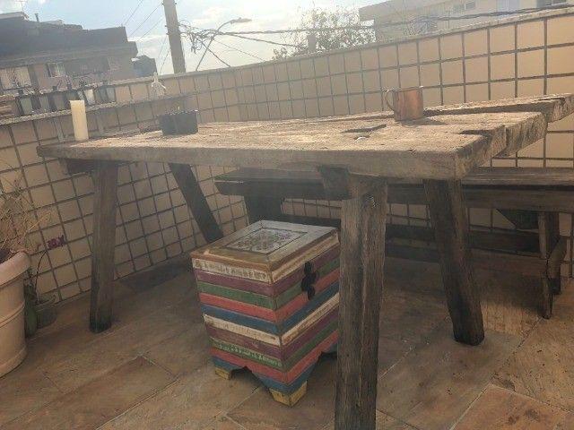 Mesa rústica de madeira maciça de restauração