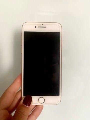 Iphone 8 gold de 64GB - Foto 4