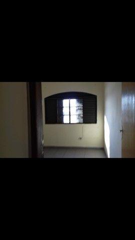 Aluga_se apartamento 3 quartos sobre loja