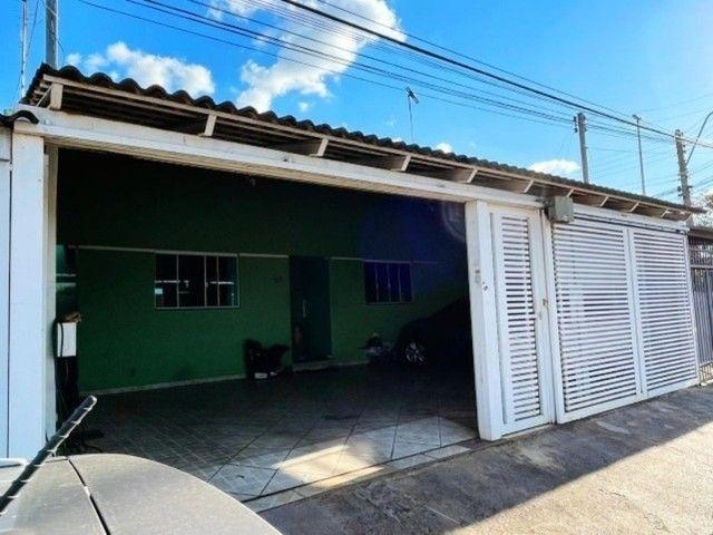 Linda Casa com 4 Quartos, Garagem Coberta em M Norte. - Foto 2