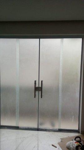 Vendo essa porta de vidro , Obs. Vem sem o puxador